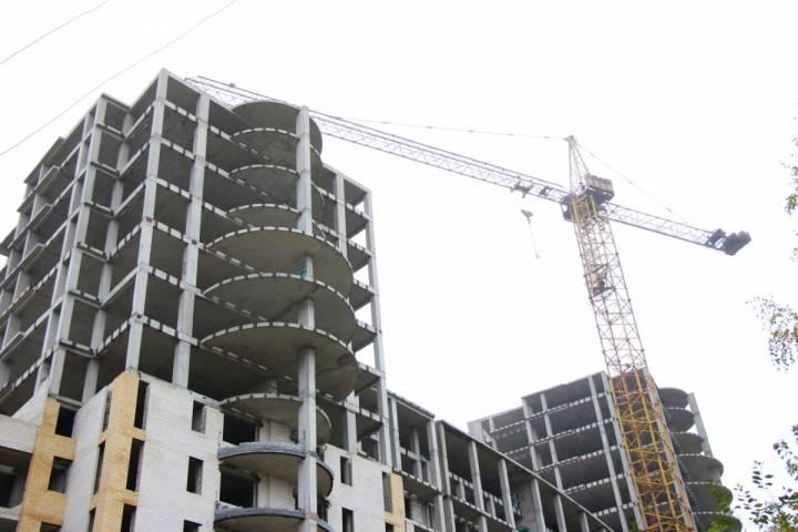Работы настройплощадках корпусов-долгостроев жилого комплекса «Гусарская баллада» возобновились вОдинцове