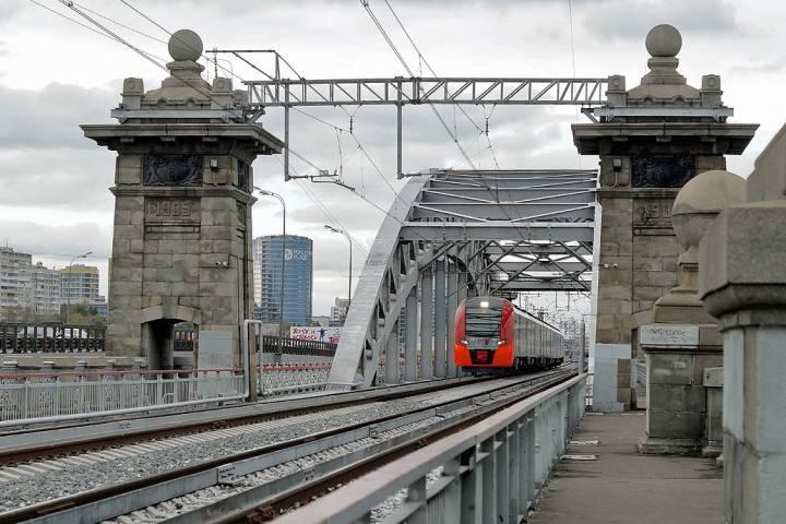 Светодиодная подсветка появится на16 мостах МЦК