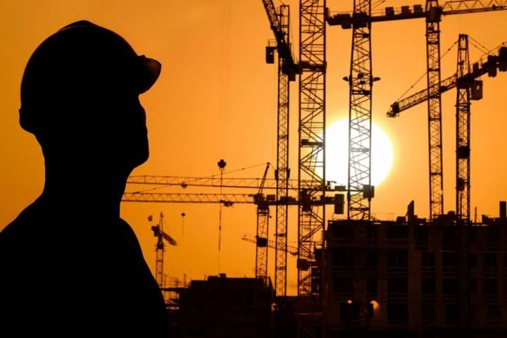 Медведев: Есть риски не достигнуть в 2017-ом плановых характеристик ввода жилья