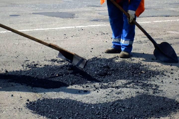Губернатор Андрей Воробьев поздравил работников дорожного хозяйства спредстоящим профессиональным праздником