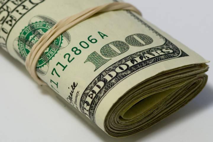 Регионы получат на модификацию ЖКХ неменее 8 млрд руб., объявил Михаил Мень