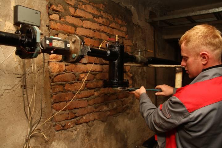 Государственную думу попросили запретить отключение воды задолги по«коммуналке»