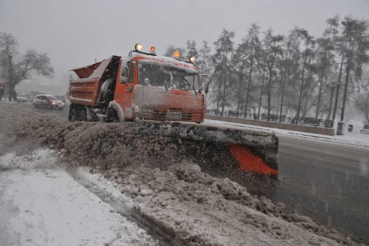 ВПодмосковье практически 70 процентов региональных дорог обработали реагентами за прошедшие сутки