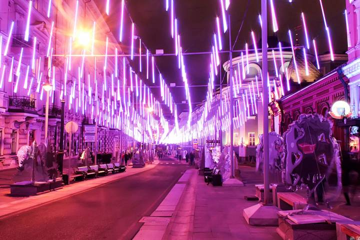 Новогодняя подсветка останется на дорогах столицы довесны